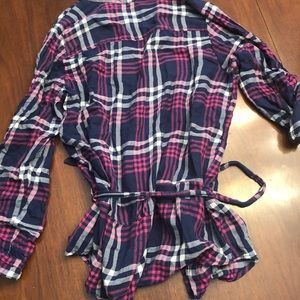 American Eagle Outfitters Tops - American Eagle Blue & Pink plaid button down